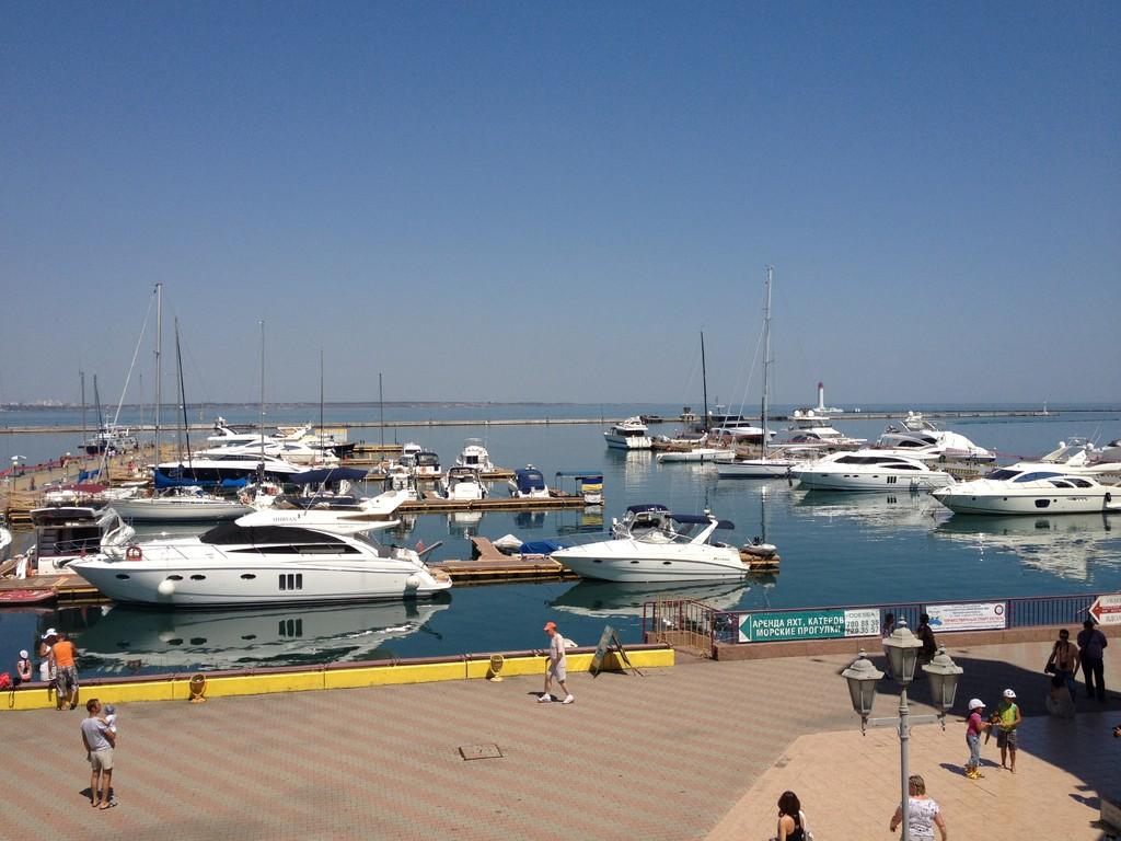 Luxusschiffe im Hafen von Odessa