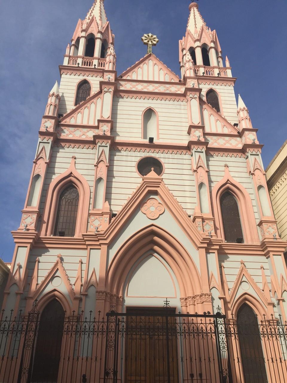 Die alten Kirchen und Häuser sind fantastisch