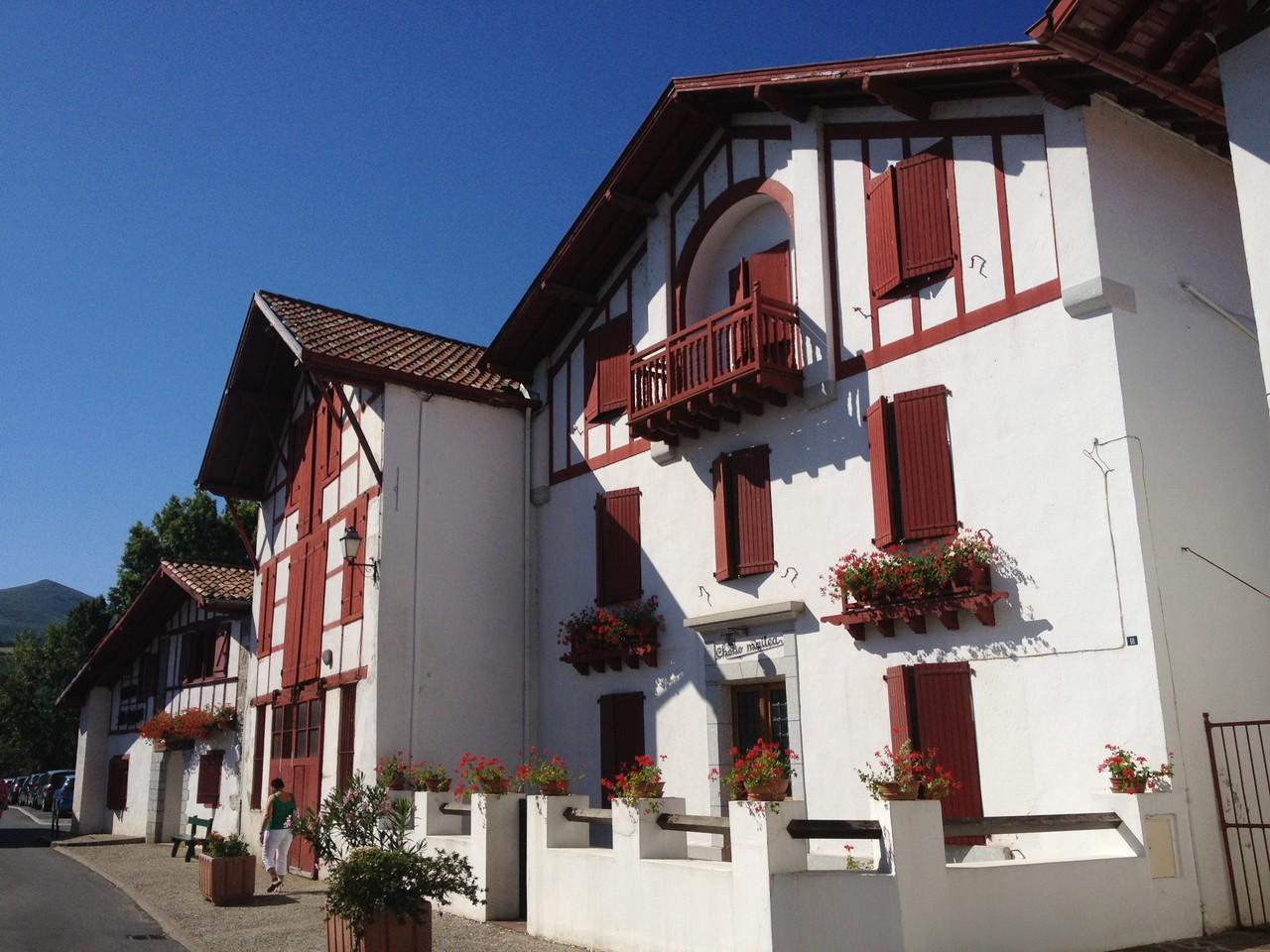 Schöne Häuser in Espelette
