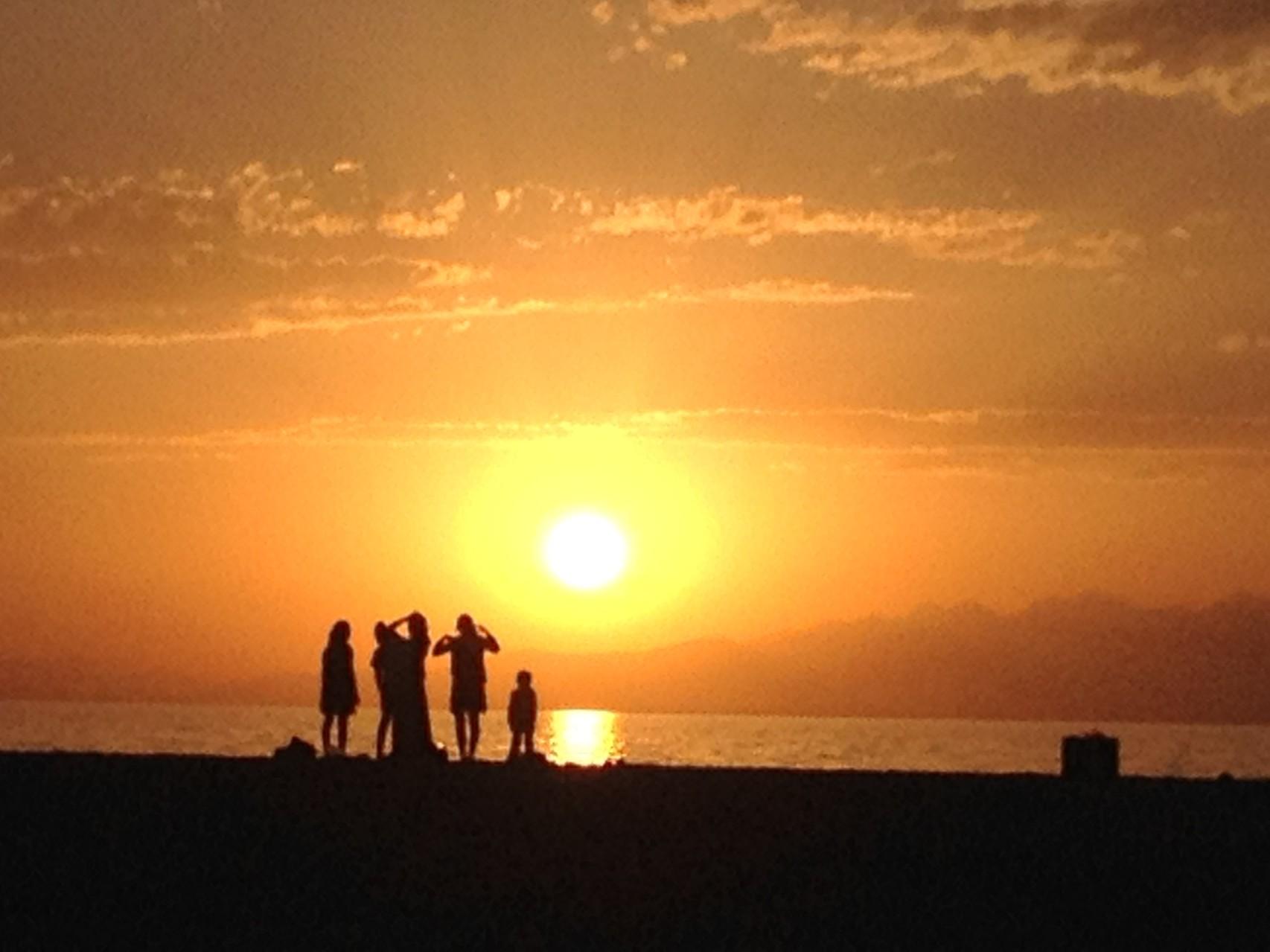 Übernachtungsplatz mit Sonnenuntergang
