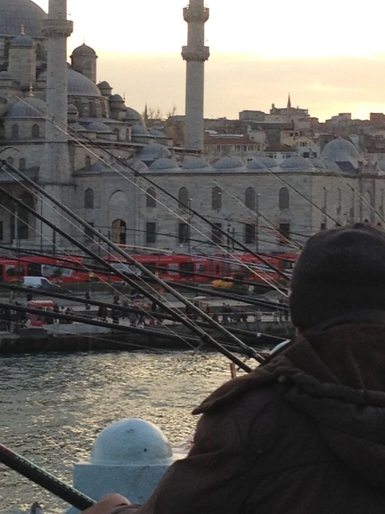 Galata-Brücke mit den vielen Anglern
