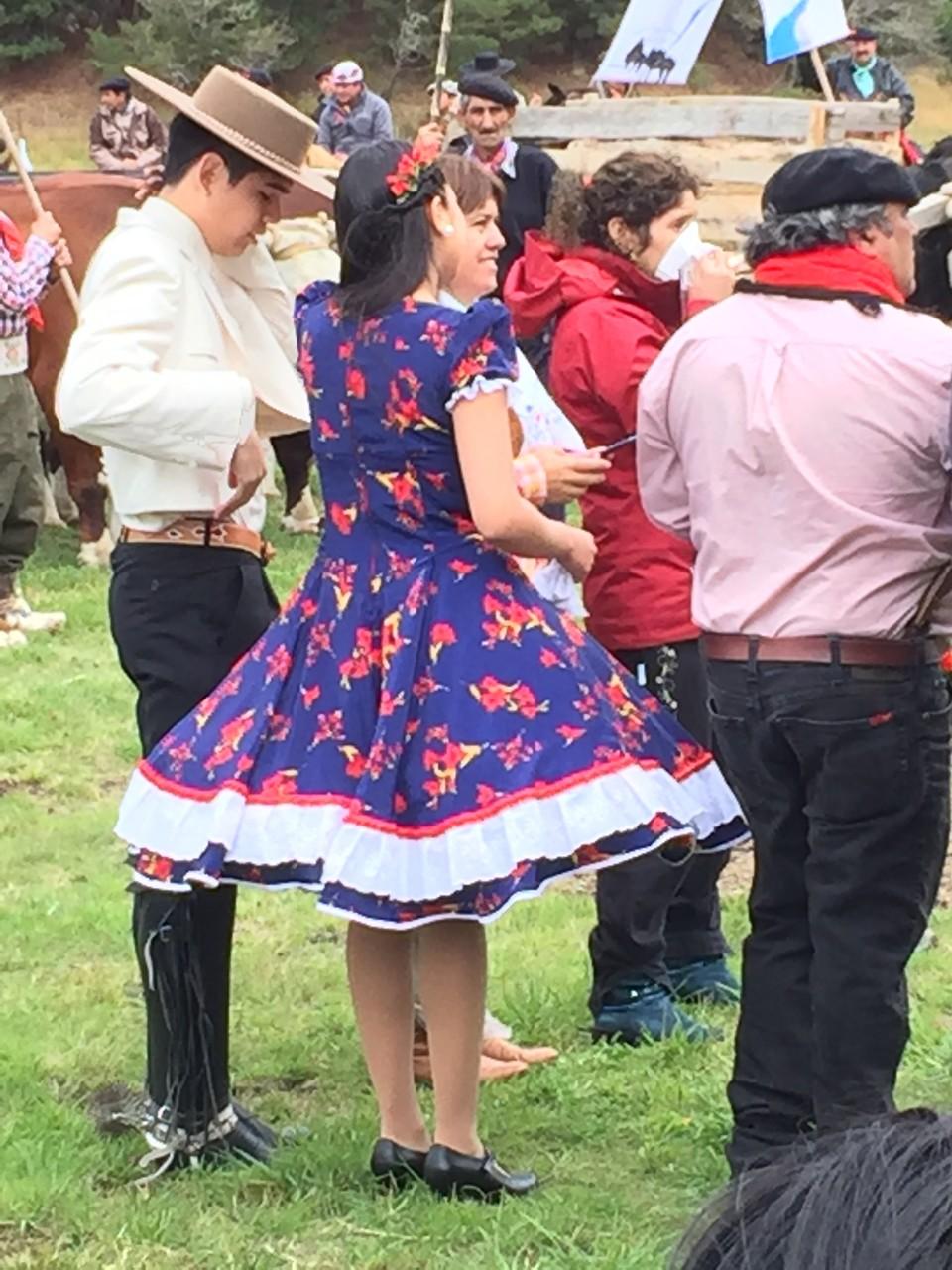 Tanzpaar am Fest in Cochrane