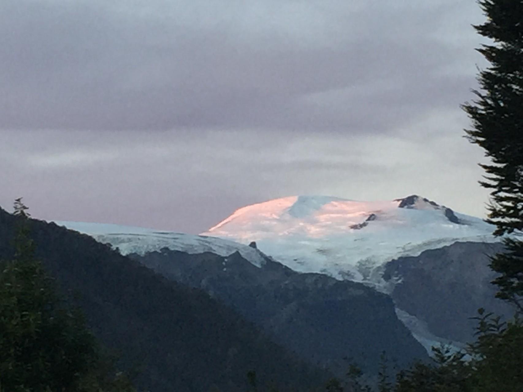 Vulkan und Gletscher Michimahuida