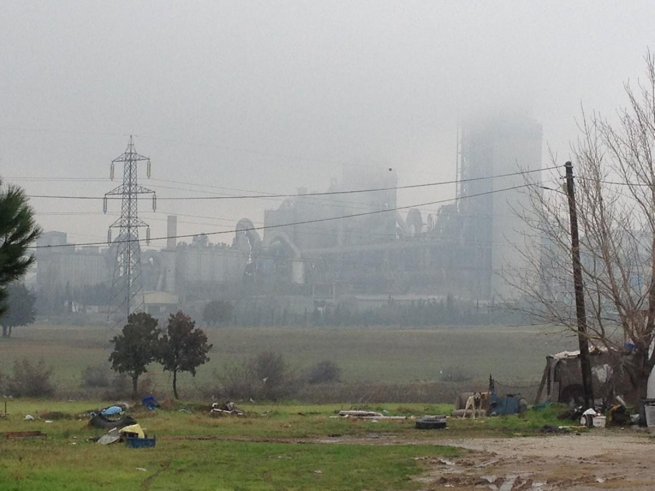 Kohlekraftwerk mit entsprechender Luftverschmutzung
