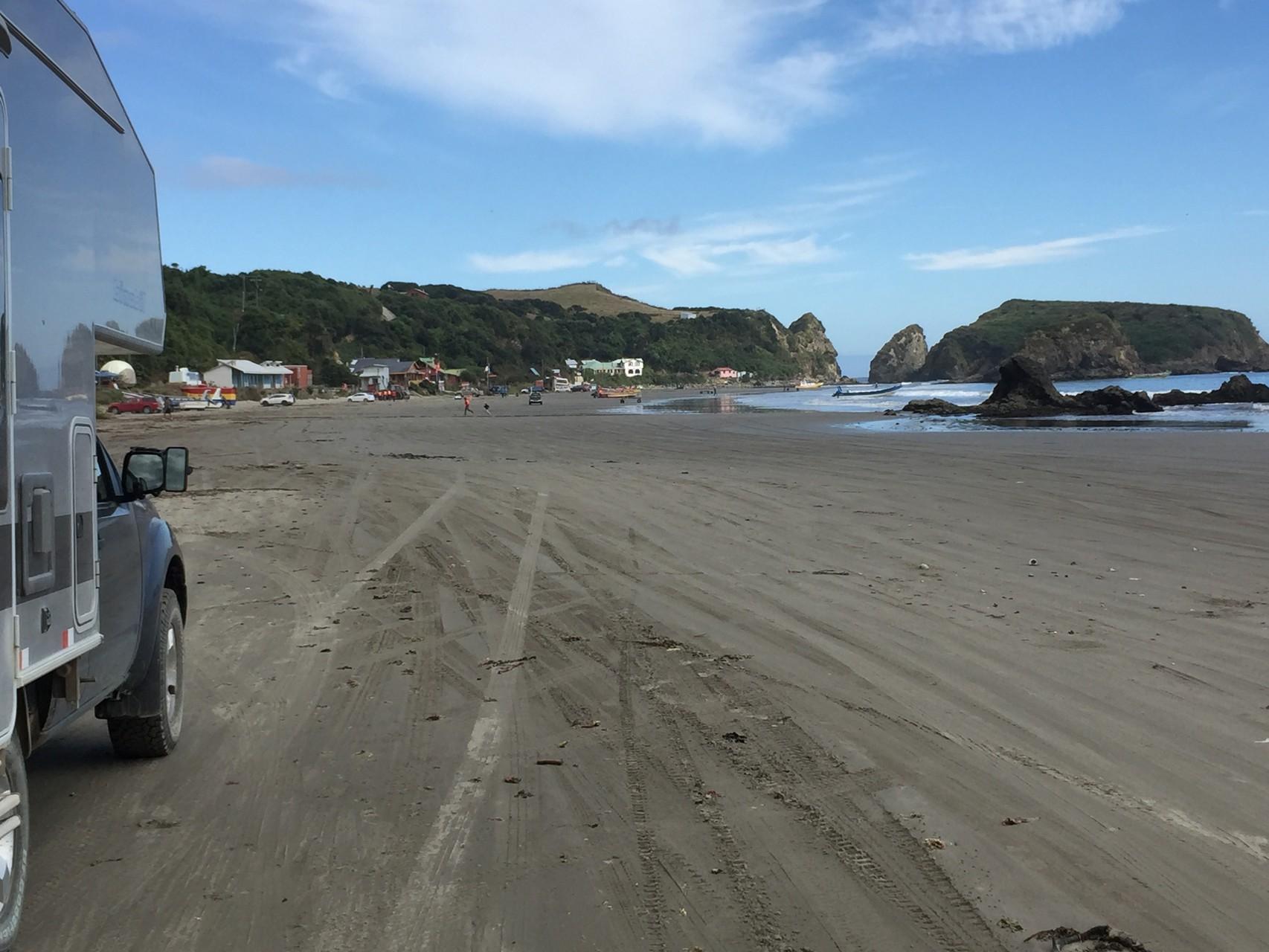 wieder Strasse über die Beach