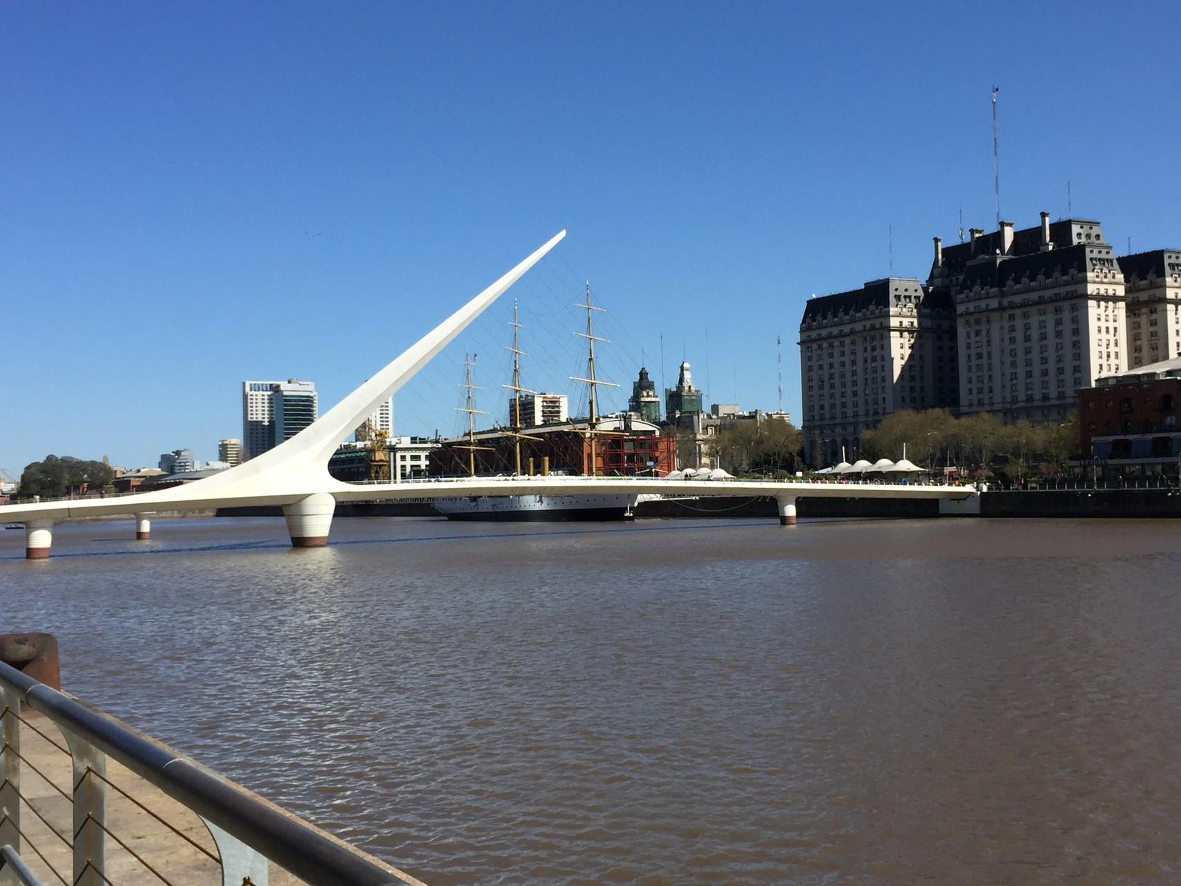 ... und der schönen Brücke