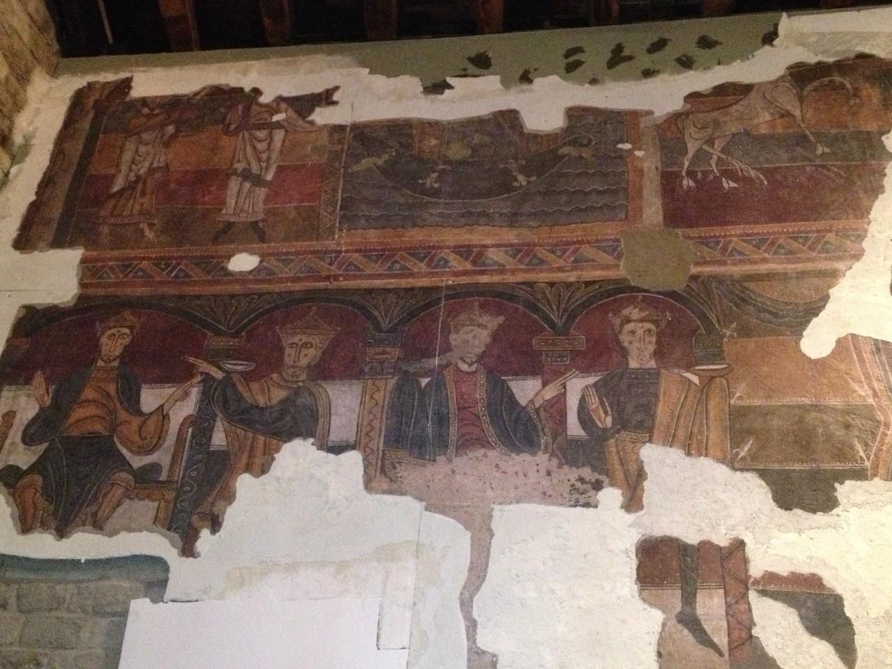 ....mit wunderbaren Fresken und