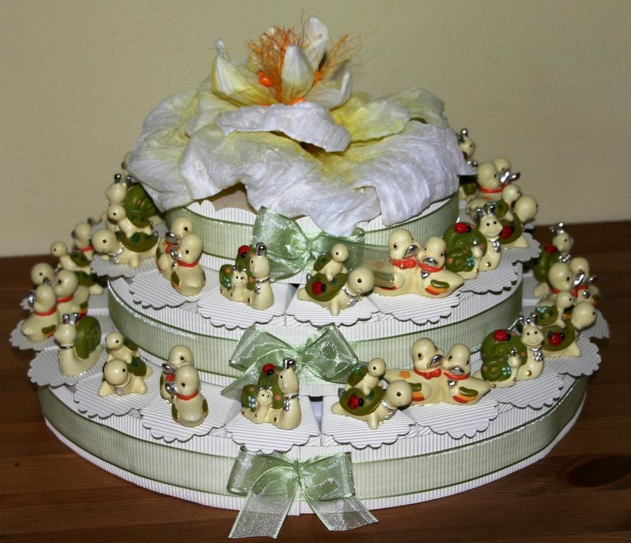Torta composta da 35 scatoline con animaletti portafortuna