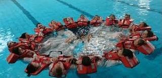Training mit Schwimmwesten bei MaCo Hamburg