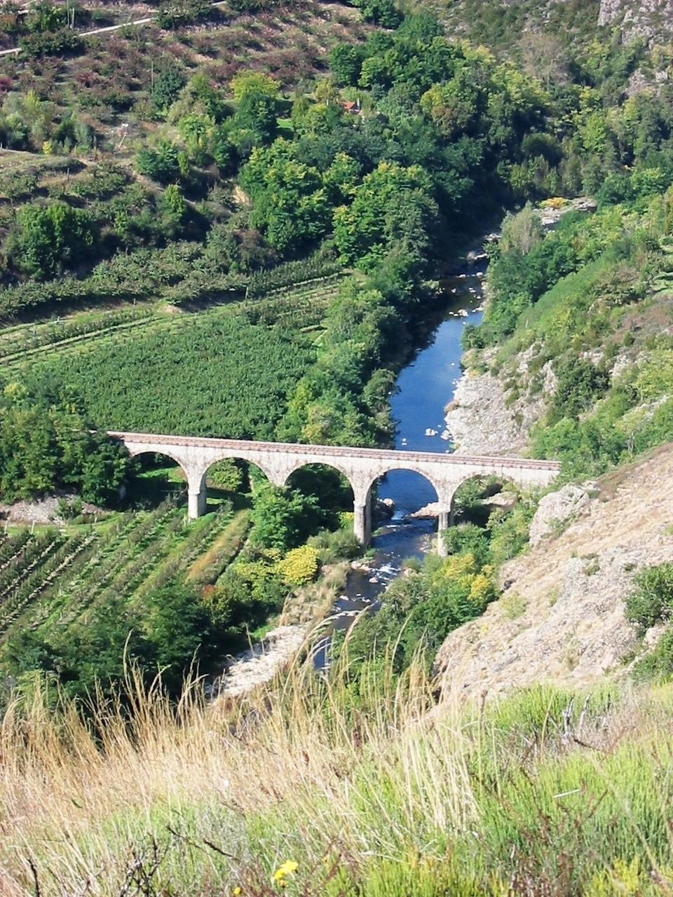 Le Viaduc de Bonneton au Crestet