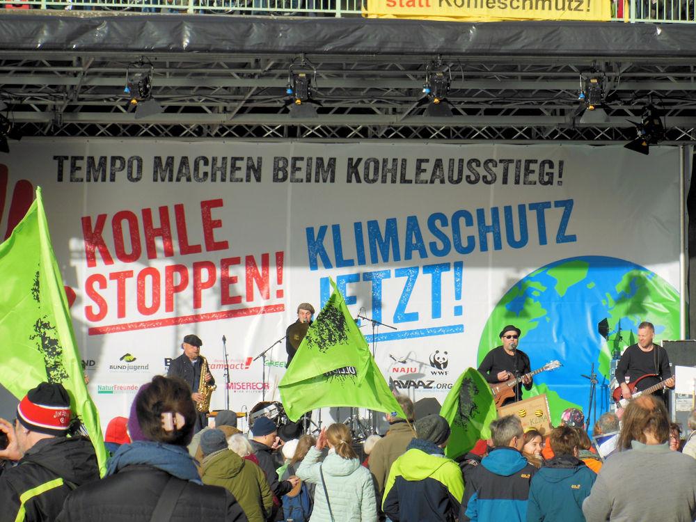 Bühne: Kohle stoppen - Klimaschutz jetzt, Foto F. Handel