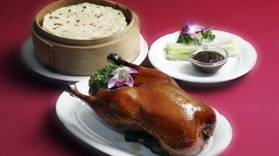 Wie eine Peking Ente zubereitet wird