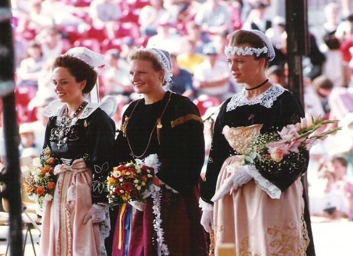1994 - Stéphaine Quemener 2ème demoiselle d'honneur de la Reine de Cornouaille