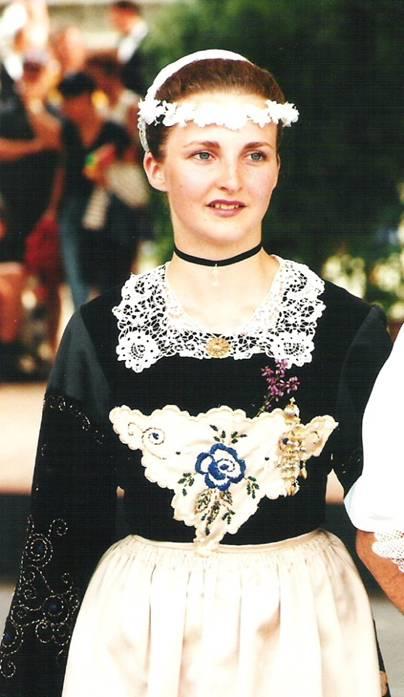 2000 - Rozenn Rivoal 2ème demoiselle d'honneur de la Reine de Cornouaille