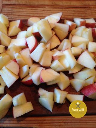 Die Äpfel würfeln