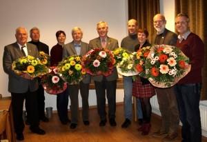Bild:Die Jubilare (v.li.n. re.): Friedrich Tödt (CDU), Dr. Karsten Nühs (CDU), Uta Hansen (CDU), Hans-Otto Boie (CDU), Hans-Heinrich Barnick (CDU), Matthias Lahann (CDU), Dunja Pucks (FWS), Gerhard Boll (SPD) und Klaus Albers (CDU).