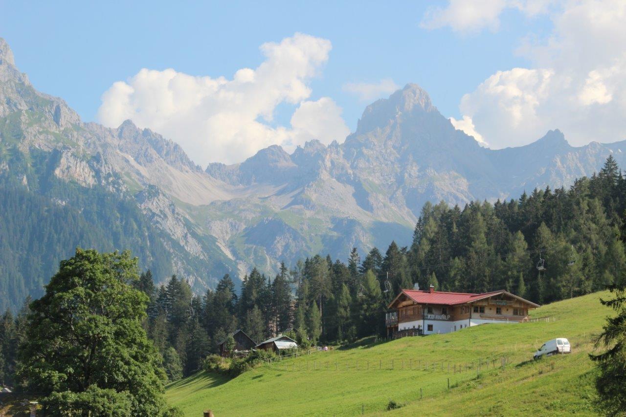 Hochplateau Tschengla, Wander, Mountainbike- und Downhillareal sowie Alpe und Schaukäserei