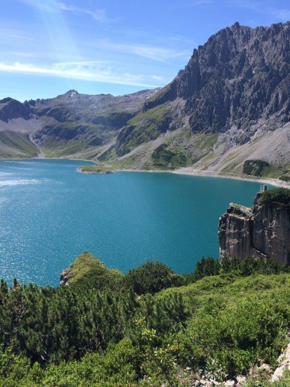 Lünersee mit seinen vielfältigen Wander- und Klettermöglichkeiten in der Umgebung