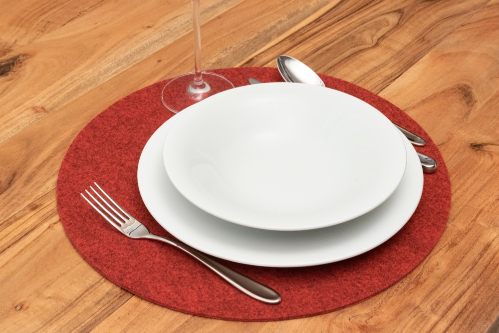 Rob&Raf Tischset Platzset aus Polyester Filz in Melange Rot, Rund mit Geschirr und Besteck