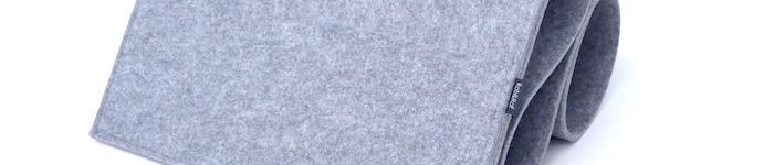 Rob&Raf Bett Bed Organizer aus Polyester Filz in Grau Nahaufnahme Label Material Taschen Form