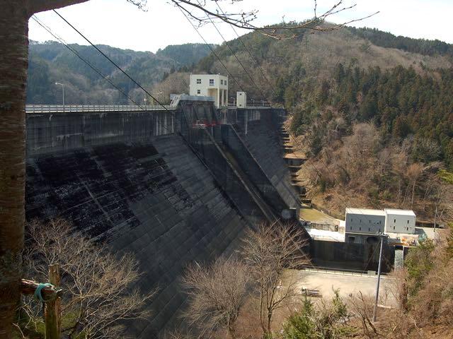 かんがい用として巴川に建設された羽布ダム