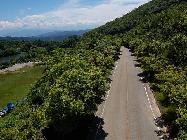茶臼山高原道路を登りつめるとそこが目的地