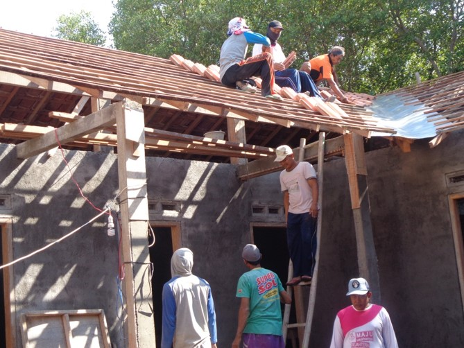 屋根瓦の設置