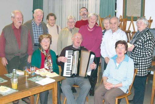 Der Singkreis von Wernborn bei einer Probe 2014