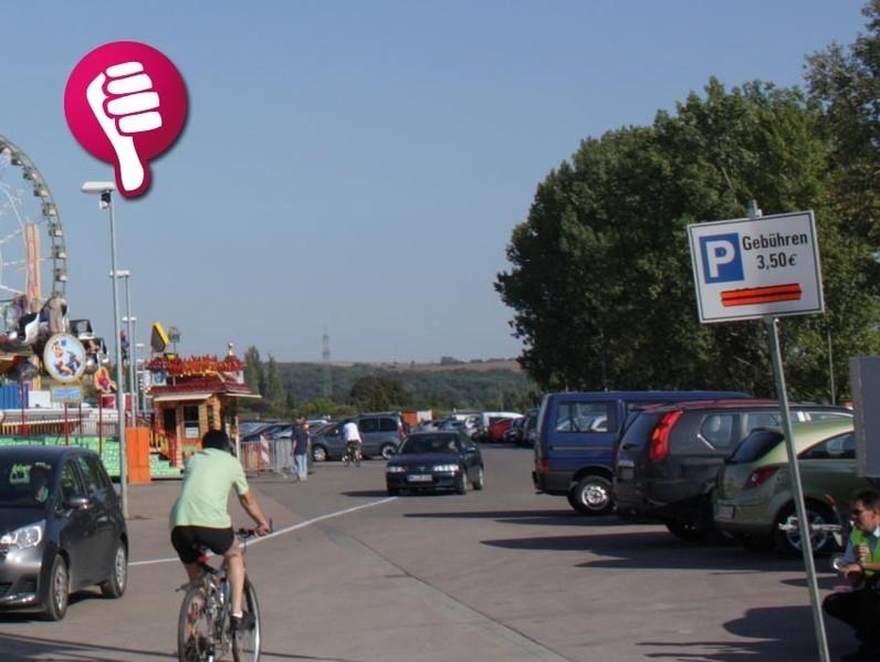 Alles wird teurer. Die Schausteller übertagen ihre höheren Kosten teils heftig auf die Besucher. Auch die Parkplatzgebühr wird jedes Jahr teurer. Zum ersten Mal wurde sogar an den Wiesenparkplätzen der Kleinen Wiese kassiert. Die Stadt bzw. der ...