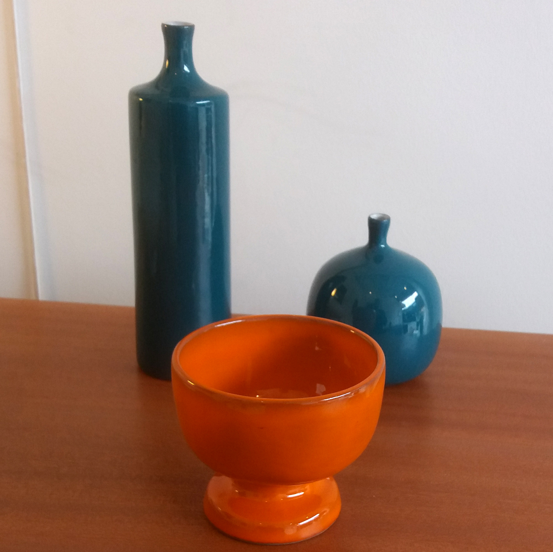 Vase bouteille, vase boule et calice, c. 1960