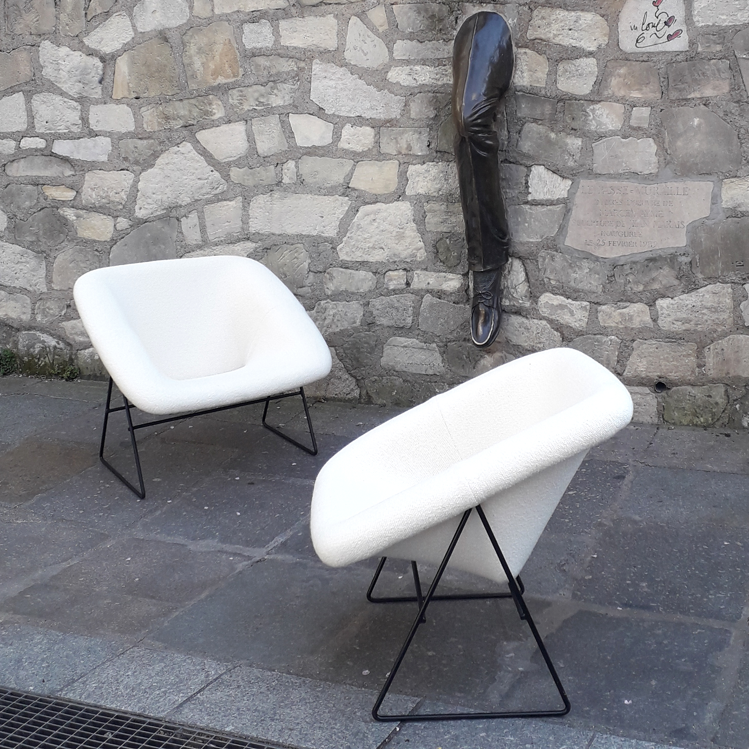 En partenariat avec l'A.R.P, paire de fauteuils Corb, édition Steiner, 1956