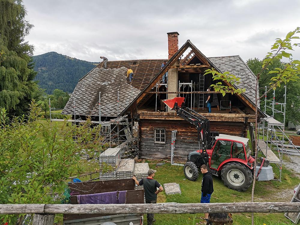 Abbau des alten Hauses in Hirschegg, Steiermark