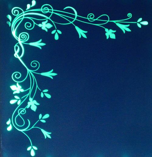Gravure laser de verre teinté avec rétro éclairage