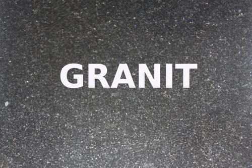 gravure laser granit