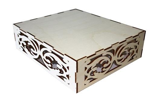 Découpe laser de supports en bois de peuplier pour présentation de petits fours , canapés ... lors de réceptions  . 35 cm x 30 cm . Assemblage par pointage collage.
