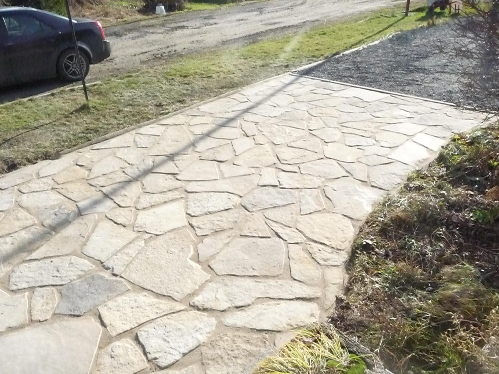 Terrasse de pierres naturelles