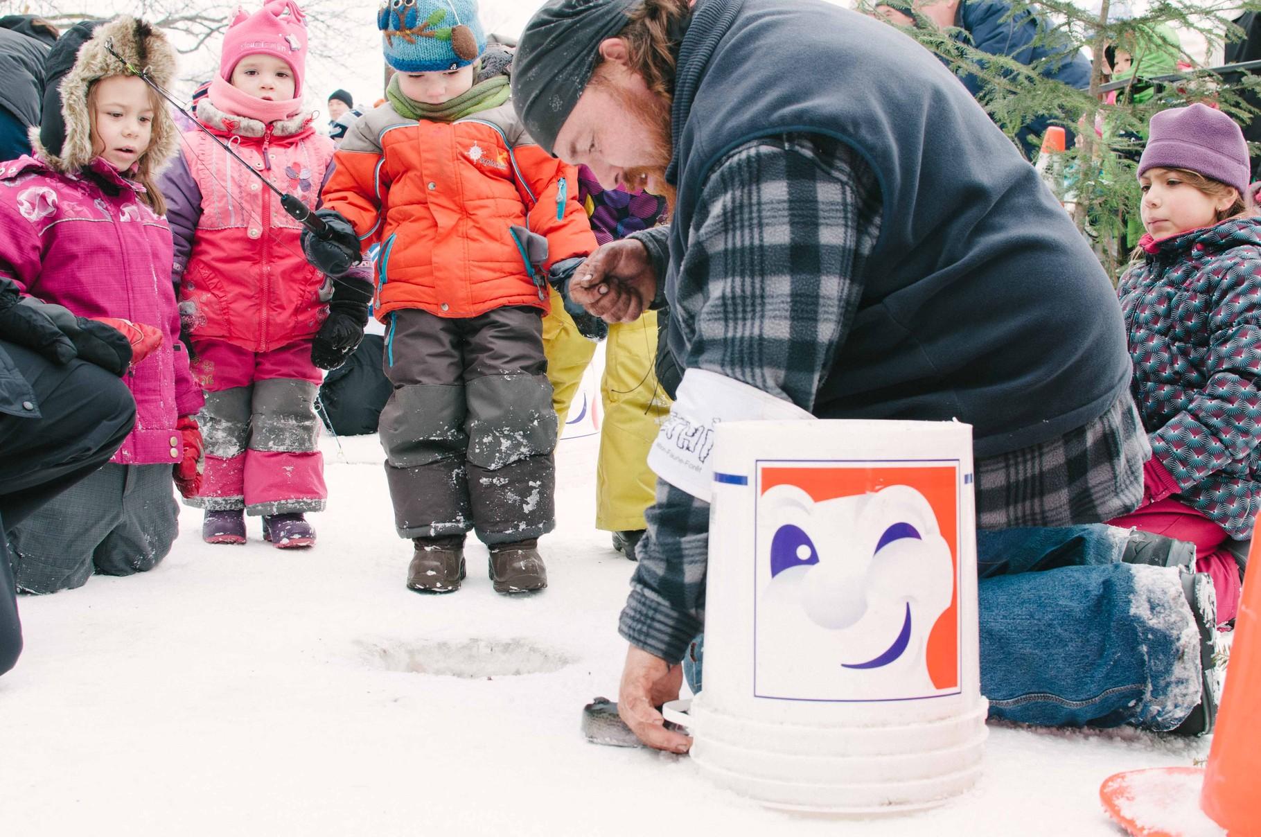 La pêche blanche de Bonhomme au Carnaval de Québec (crédit V. Nolet)