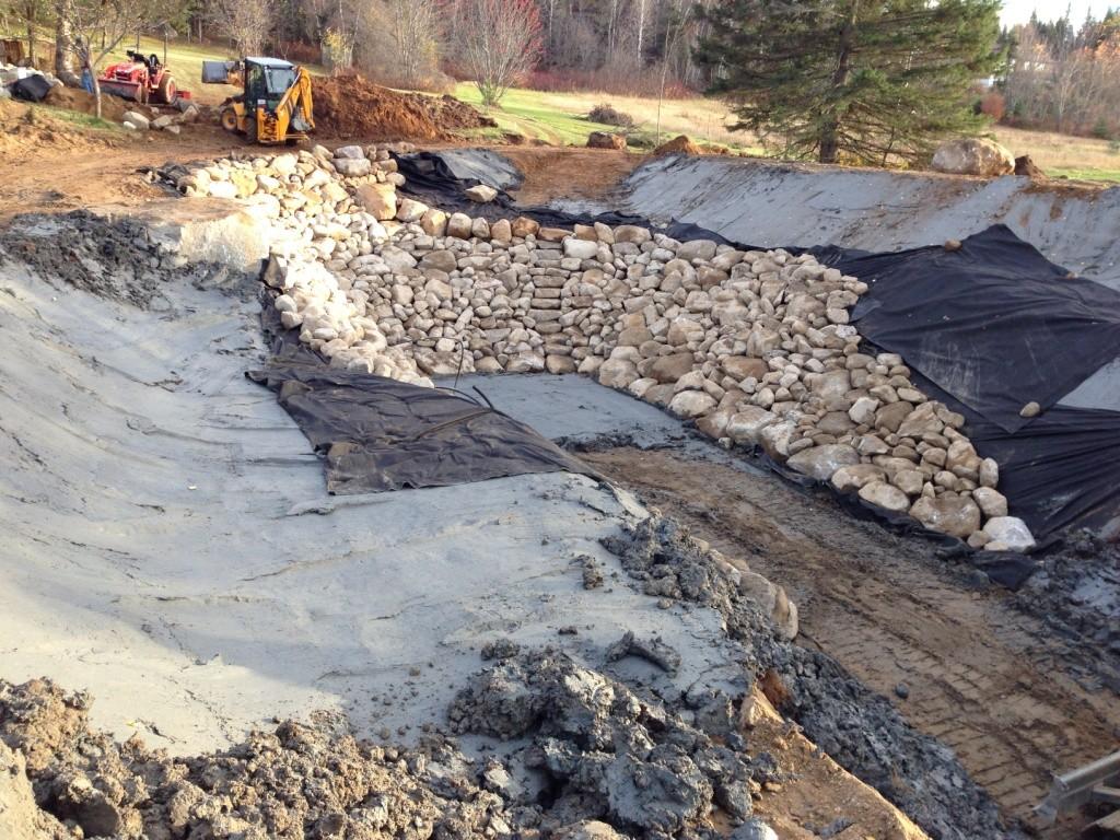 Grand lac en construction