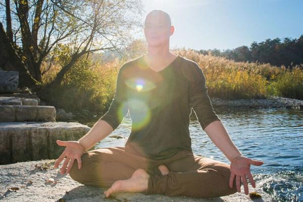 Spezies Mann - Der Schleier vor Yoga - Rene Hug Yin Yoga