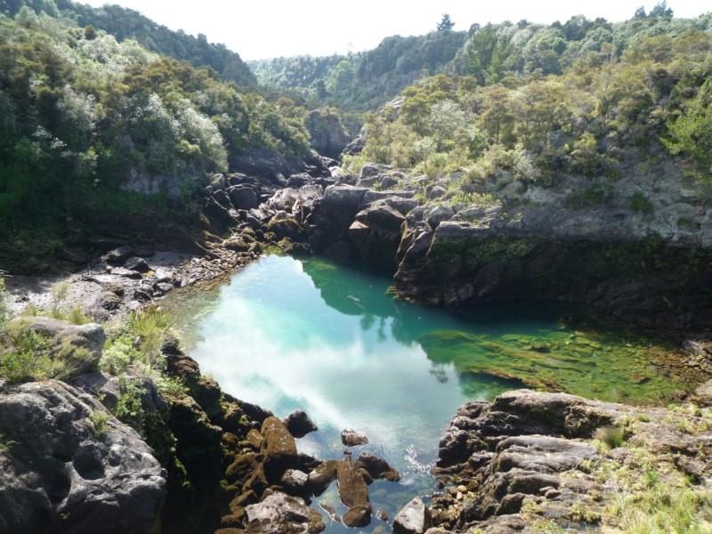 Trekking Huka Falls, Taupo