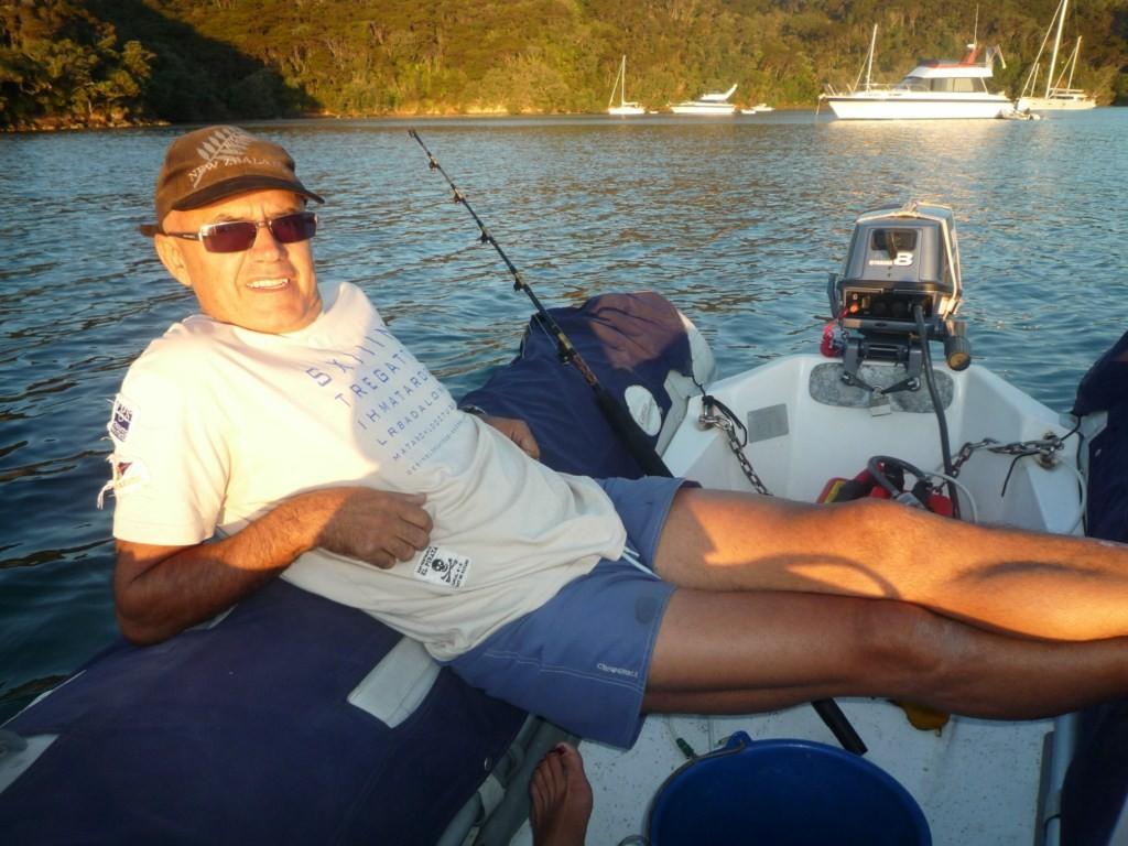 Pescando desde el dingy a fondo