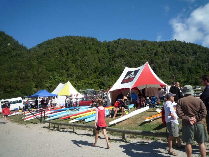 Competicion internacional de kayacs. Blue Lagon, Rotorua