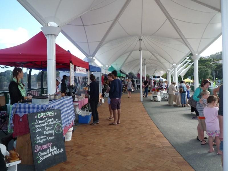 Mercado de artesanías de los sábados