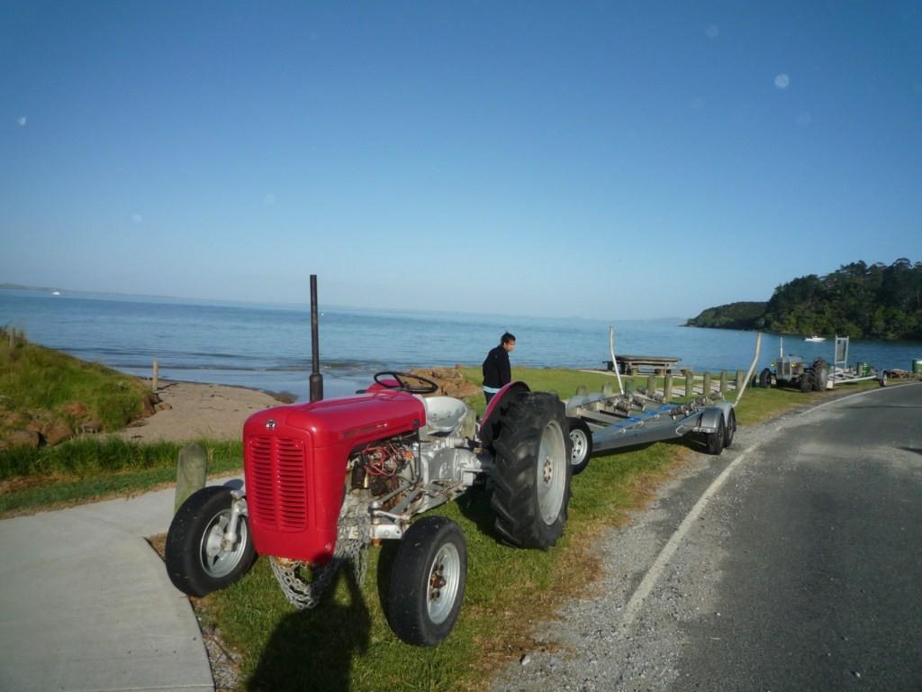 Tractores que usan para remolcar las lanchas