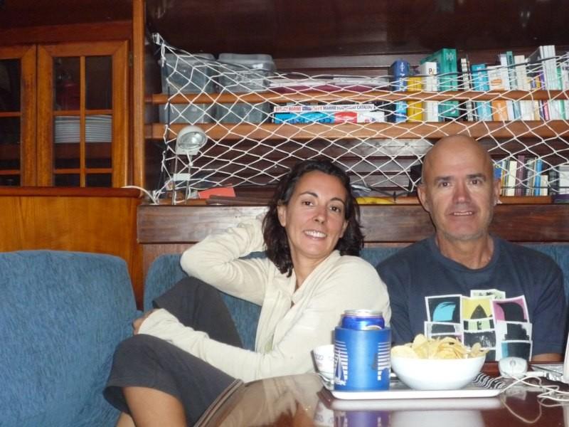 Nuestro primer fondeo del 2013 en Mardens Cove, como hace frío lo celebramos dentro