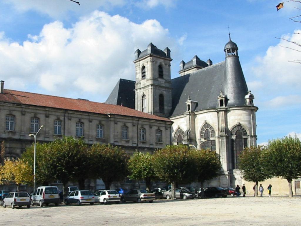 Abbatiale Saint-Michel à Saint-Mihiel. Gîte des Palots-Verdun-Meuse