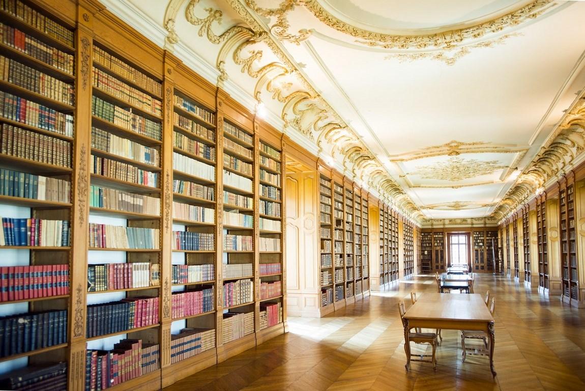 Bibliothèque bénédictine de Saint-Mihiel. Gîte des Palots-Verdun-Meuse