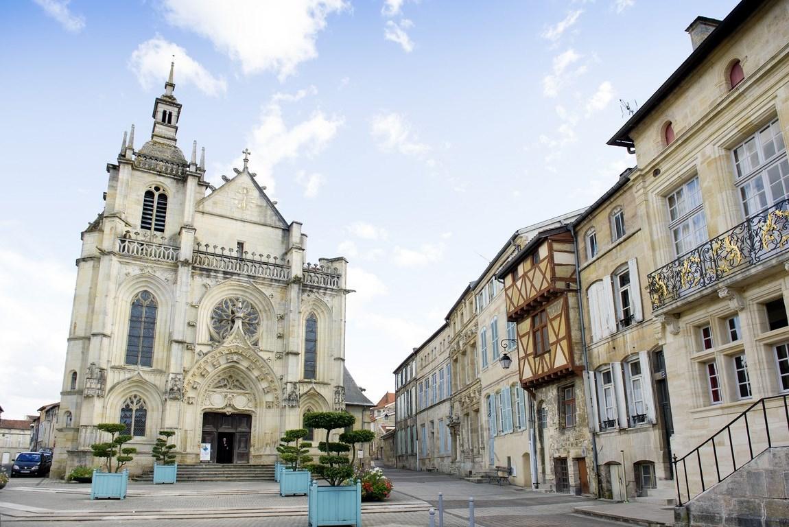 Bar-le-Duc : Ville haute. Gîte des Palots-Verdun-Meuse