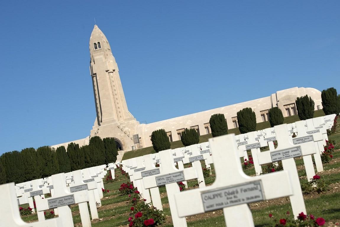 Nécropole nationale de Douaumont et ossuaire. Gîte des Palots-Verdun-Meuse