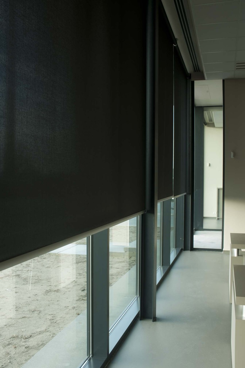 Широкоформатные рулонные шторы